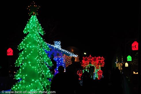 La parade de lumière. Sentiers de Noël à Osthouse en Alsace. Prochaine édition en 2014.