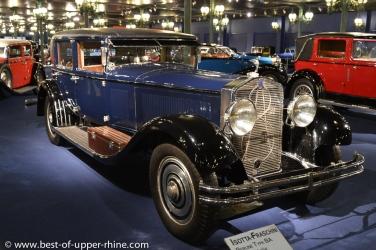 Le musée de l'Automobile à Mulhouse présente la plus belle collection de voitures anciennes du monde.