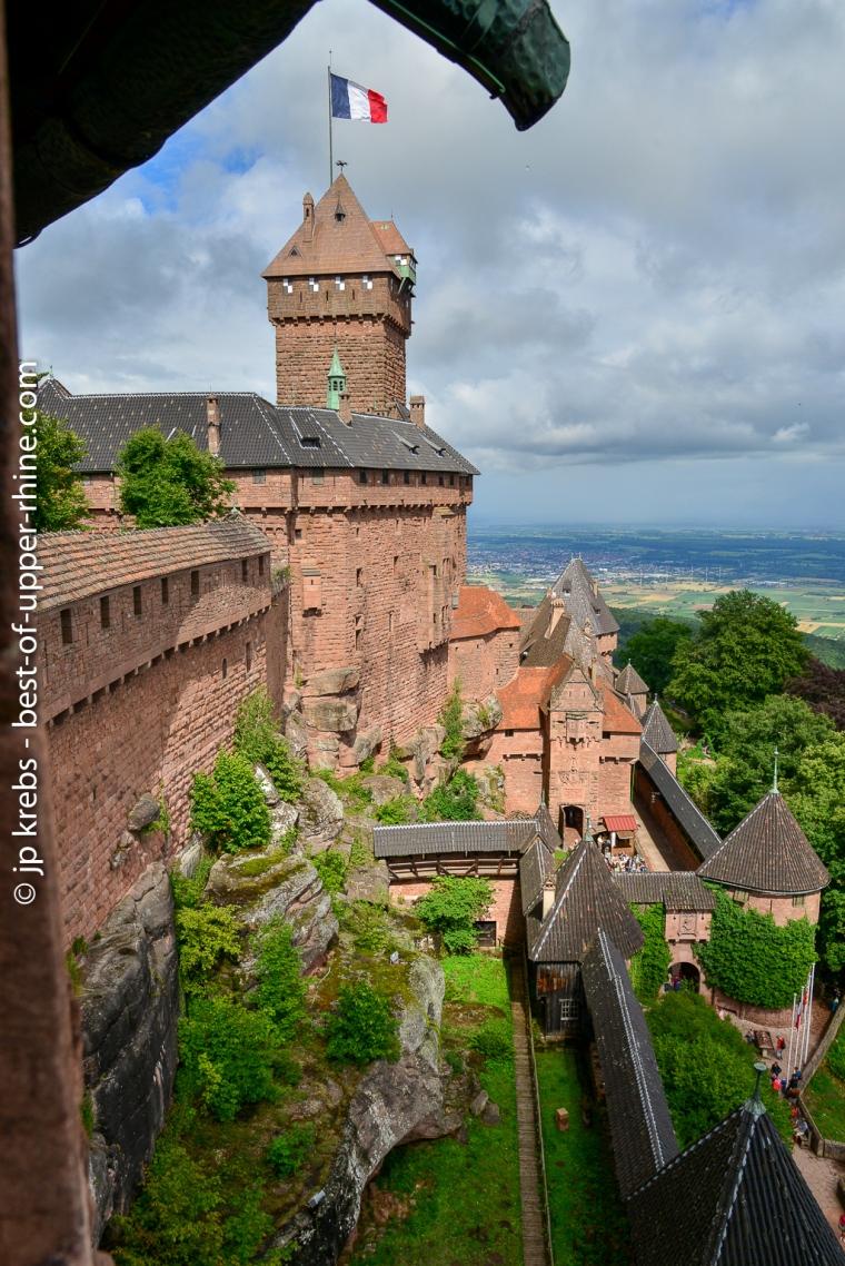 Le donjon du château du Haut-Koenigsbourg vu du bastion ouest