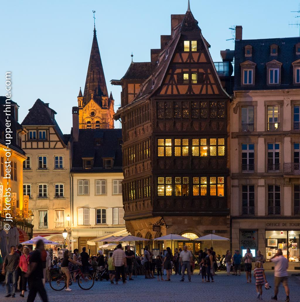La maison kammerzell sur la place de la cath drale strasbourg bons baisers du rhin sup rieur - Salon de la gastronomie strasbourg ...