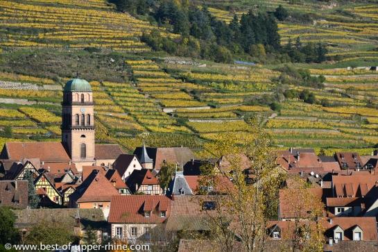 Kaysersberg, à quelques kilomètres de Riquewihr, et ses vignobles en terrasses.
