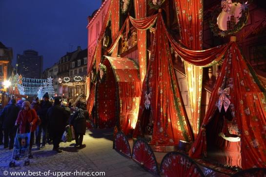 Mulhouse organise le marché de Noël de plus coloré d'Alsace.