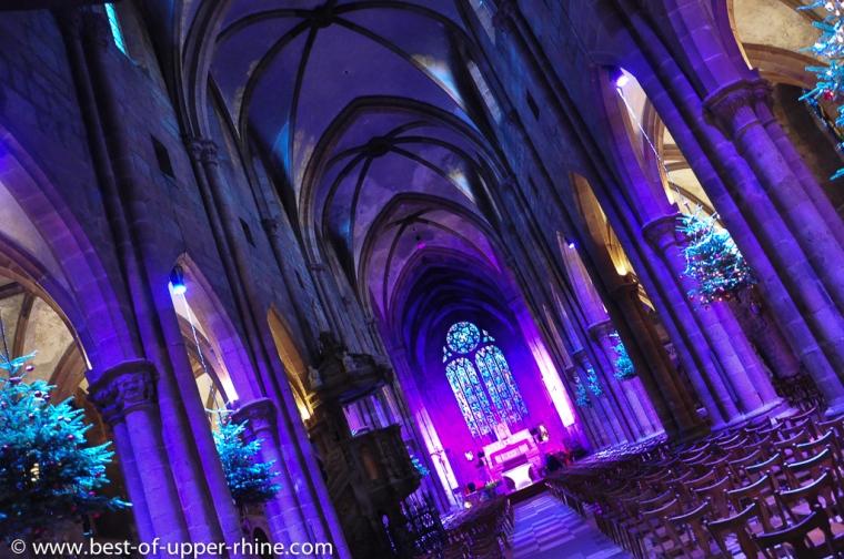 Le sapin de Noël à travers les âges. Exposition dans la nef de l'église St Georges de Sélestat.