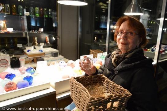 La verrerie de Meisenthal dispose d'un show room et d'une boutique où vous pouvez acheter vos boules de Noël !