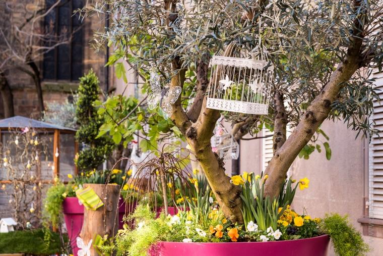 Pots de fleurs géants multicolores