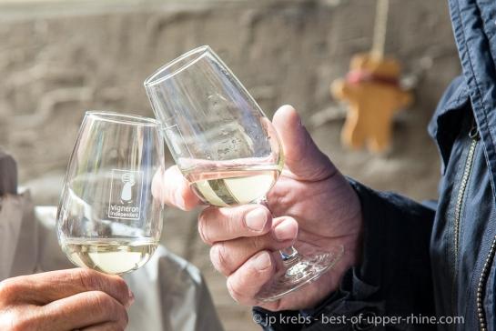 Des amateurs de grands vins venus d'un peu partout se sont donnés rendez-vous chez une cinquantaine de familles de vignerons indépendants alsaciens pour un rendez-vous annuel devenu incontournable : le pique-nique de la Pentecôte.