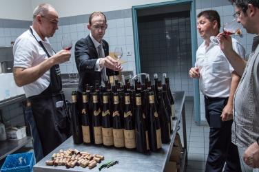 Préparation des vins à déguster
